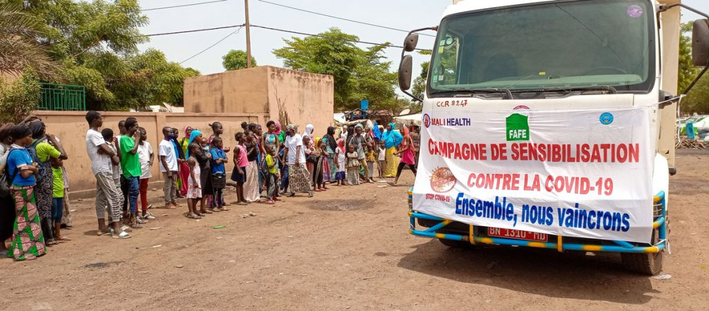 The COVID-19 caravan travelled to 13 communities in Bamako.